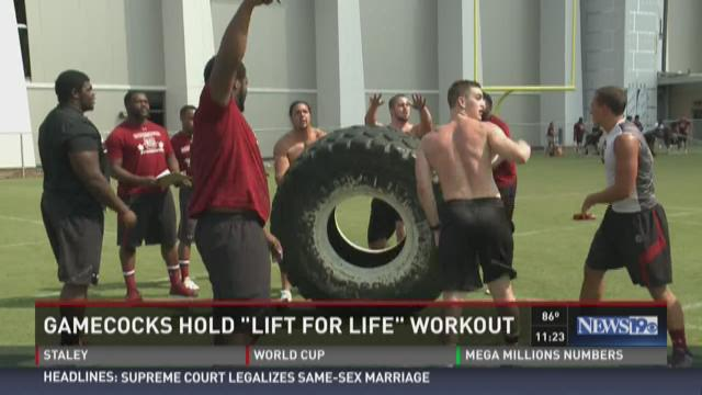 USC Football Beats The Heat For A Cause